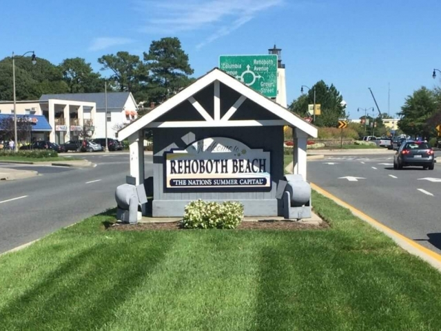 Welcome to Rehoboth Beach Sign